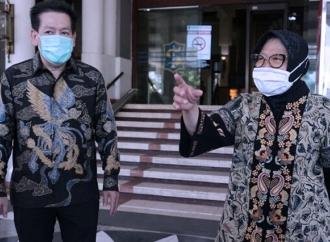 Basmi Corona, Risma Dibantu Orang Terkaya di Indonesia