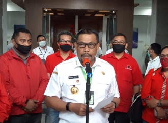 PDI Perjuangan Maluku Serahkan Bantuan Ventilator