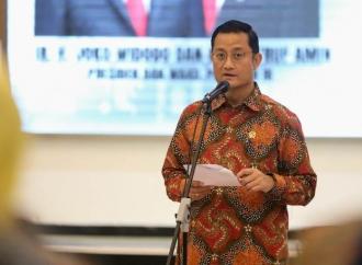 Juliari Gandeng Ansor dan GAMKI Distribusikan Bansos