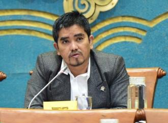 Gus Falah Gandeng PGN Bagikan Sembako ke Warga Lamongan
