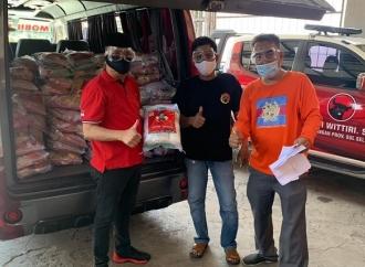 Kembali, ARW Salurkan 3500 Paket Sembako di Makassar