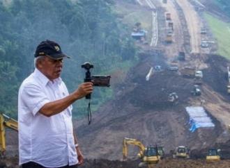 Basuki Kebut Perbaikan Jalan Kota Palopo - Rantepao