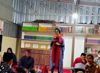 Selly Andriany Semangati Para Pegiat Pendidikan Keagamaan