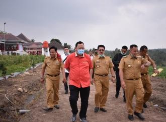 Dongkrak Hasil Pertanian, Sudin Beri Alsintan ke Petani