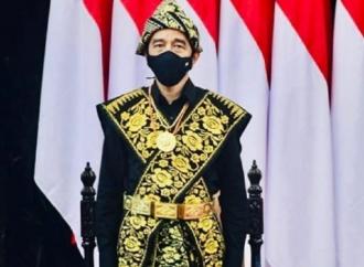 Jokowi Pakai Baju Adat Suku Sabu NTT Saat Pidato Kenegaraan