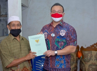 Dicuekin Selama 2 Tahun, Kent Urus PTSL Warga Meruya Utara