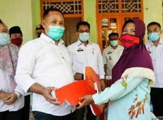 Bupati Lampung Selatan Berinovasi Bedah Rumah Warganya