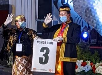Dapat Nomor Urut 3, Zainal-Yansen Acungkan Salam Metal