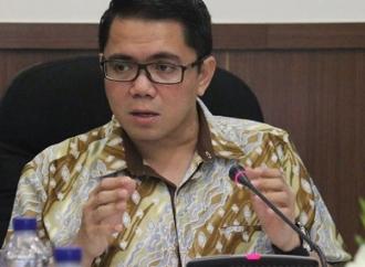 Difitnah Cucu Pendiri PKI, Arteria: Isu Komunis Barang Mati