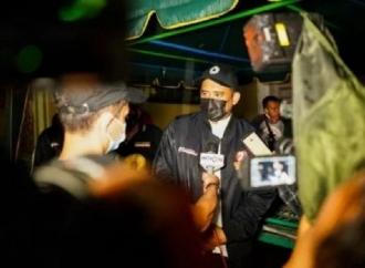 Terobos Hujan, Bobby Susuri Gang demi Gang Semangati Warga