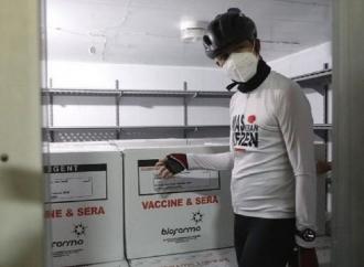 Gubernur Ganjar Langsung Cek 62 Ribu Vaksin Yang Tiba