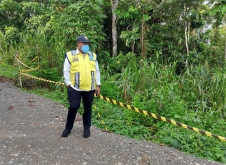 John Wempi Sidak Pembangunan Jalan Trans Papua