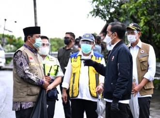 Presiden Minta Pasokan Logistik Korban Banjir Terpenuhi