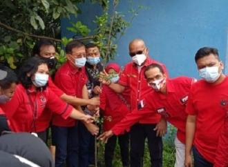 Banteng Medan Tanam 1.000 Pohon di Bantaran Sungai Deli