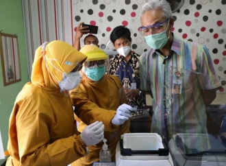 Ganjar Minta Faskes Tingkatkan Kemampuan Vaksinasi