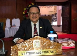 Lamban Terbitkan SK, Banteng Kalbar Minta Tito Ditegur