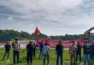 Banteng Bojonegoro Kembali Tanam Pohon di Kalitidu