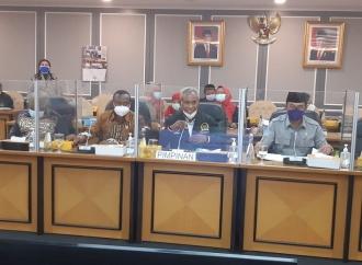 Aklamasi! Komarudin Watubun Pimpin Pansus Otsus Papua