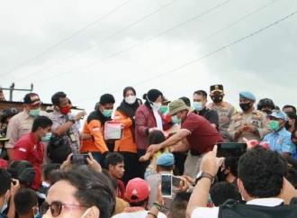 Mensos RismaTiba di Bima, Tinjau Lokasi & Korban Banjir