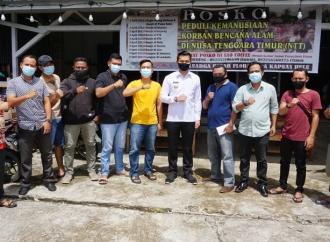 Ke Posko Bencana NTT, F.Diaan Ingatkan Gotong Royong