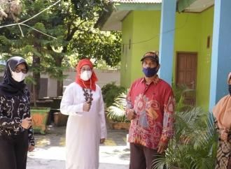Risfayanti CekKesiapan Prokes Tatap Muka SMAN18 Makassar