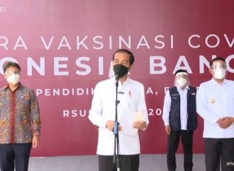 Presiden Tinjau Vaksinasi COVID-19 Massal di RSUI Depok