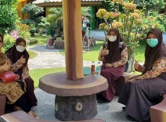 Untari Usulkan Pemprov Beri Beasiswa Anak Yatim Sampai S-1