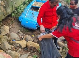 Sukur Nababan & Rokhmin Dahuri Bersihkan DAS Ciliwung