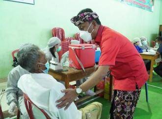 Kariyasa Genjot Vaksinasi Lansia di Kabupaten Buleleng
