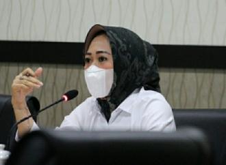 Tiwi Ingatkan Pandemi COVID-19 Belum Berakhir!