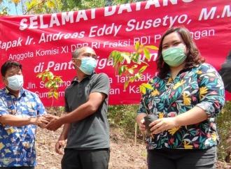 Andreas Serukan Aksi Penyelamatan Lingkungan