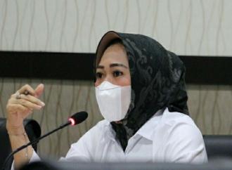 Tiwi Ajak Santri Berperan Aktif Dalam Upaya Tangani Pandemi
