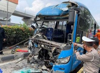 Tabrakan Dua Bus TransJakarta, Usut Tuntas & Transparan!