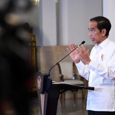 Presiden Jokowi Pastikan Pemerintah Kaji Vaksinasi Mandiri