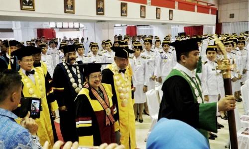 Megawati, Honoris Causa dan Kejeniusan Dalam Diam