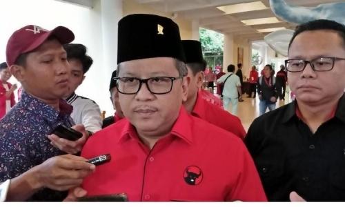 Hasto Tegaskan Jokowi Menentukan Sendiri Cawapresnya