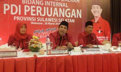 Sekretaris DPD PDIP Sulsel Hadiri Bazaar Amal