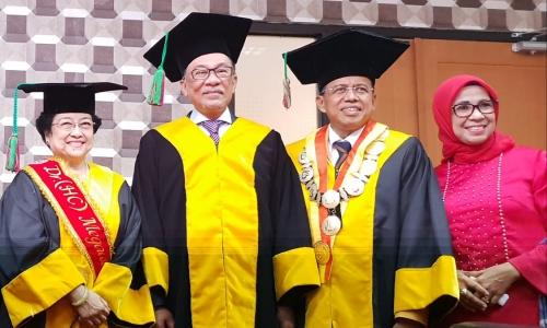 Megawati Hadiri Penganugerahan Doktor HC Anwar Ibrahim