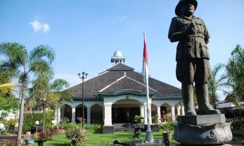 """Jadi Destinasi Wisata, Loji Gandrung Jadi """"Rumah Bung Karno"""""""