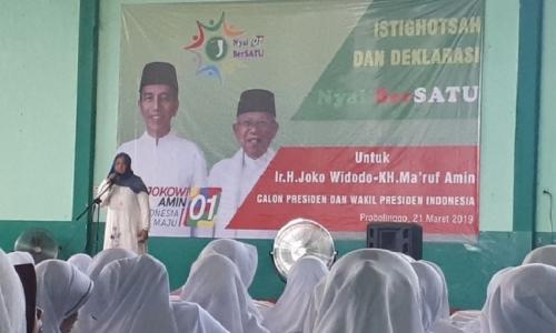 Ratusan Nyai Pesantren Deklarasi Dukung Jokowi