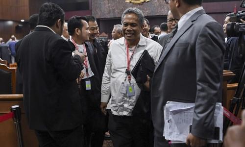Debat Panas Tutup Sidang MK, Tim Hukum 01: Jangan Drama