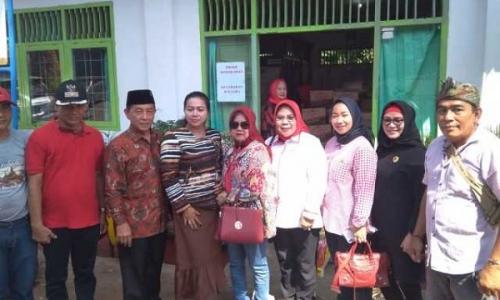Legislator Banteng di Lampung Beri Bantuan Korban Kebakaran