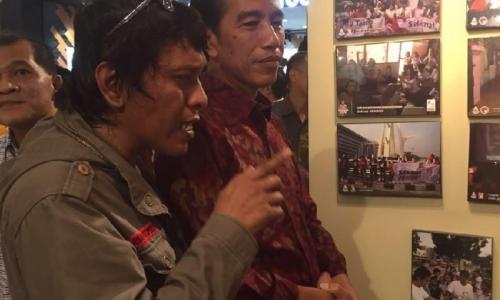 Jelang Pelantikan Presiden, Adian Sambangi Istana