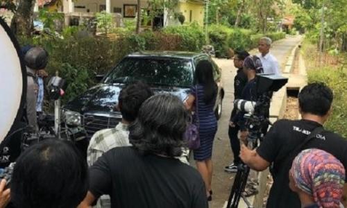 Ganjar Pranowo Syuting Bareng Pak Bhabin dan Mobil Lawas
