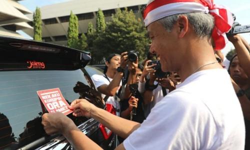 Stiker Ganjar Dorong Keberanian Antikorupsi