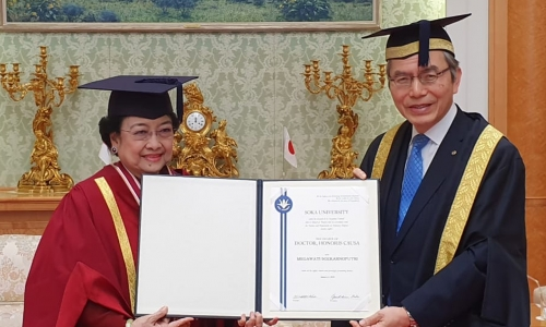 Megawati Bergelar Doktor HC di Tokyo