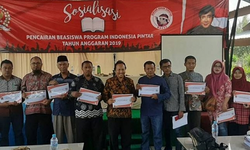 PDI Perjuangan Surabaya Sosialisasi Program Pendidikan