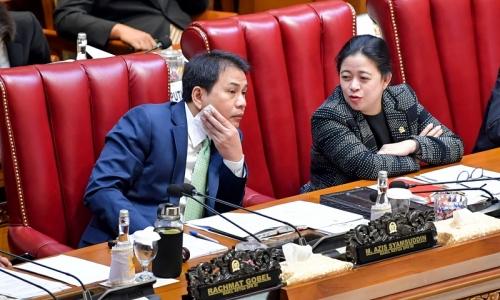 """DPR Tak Mau Terburu-buru Proses RUU """"Omnibus Law"""""""