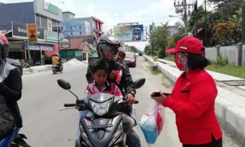 PDI Perjuangan Kotim Bagikan Gratis Sebanyak 2.000 Masker