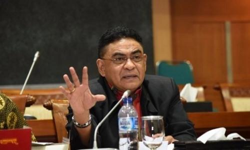 Andreas Desak Sanksi Tegas ke SMKN 2 Padang